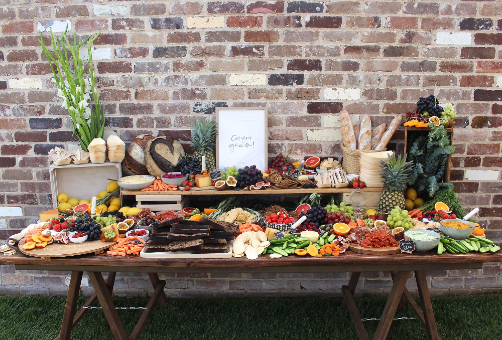 GRAZING TABLES AND PLATTERS -