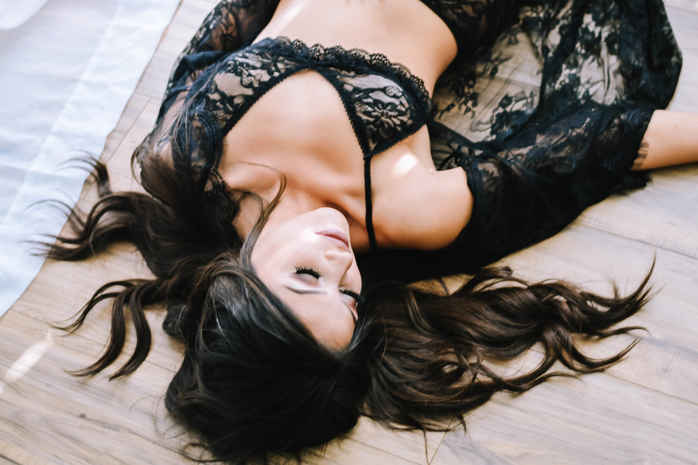 Boudoir portfolio available on a private instagram page for ladies to follow. (@boudoirbyjessicasv)