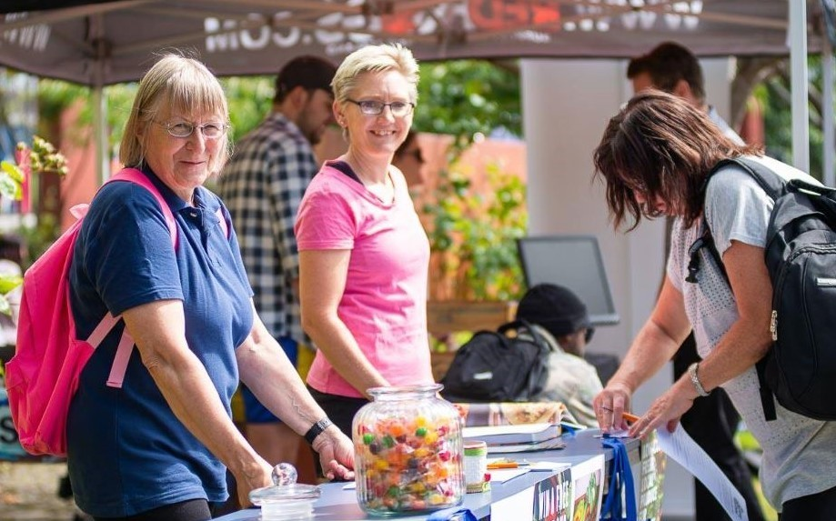 Love Local Volunteer Wendy Bailey and Service Co-ordinator Shelley Smith at SIT O-Week. (Photo courtesy of SIT).