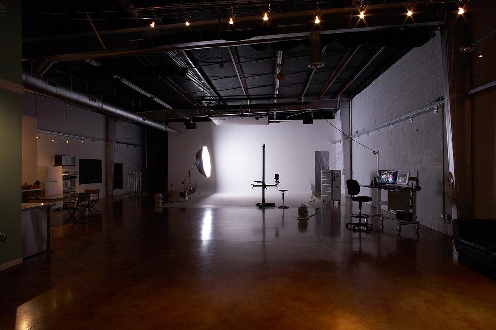 studio_dark.jpg