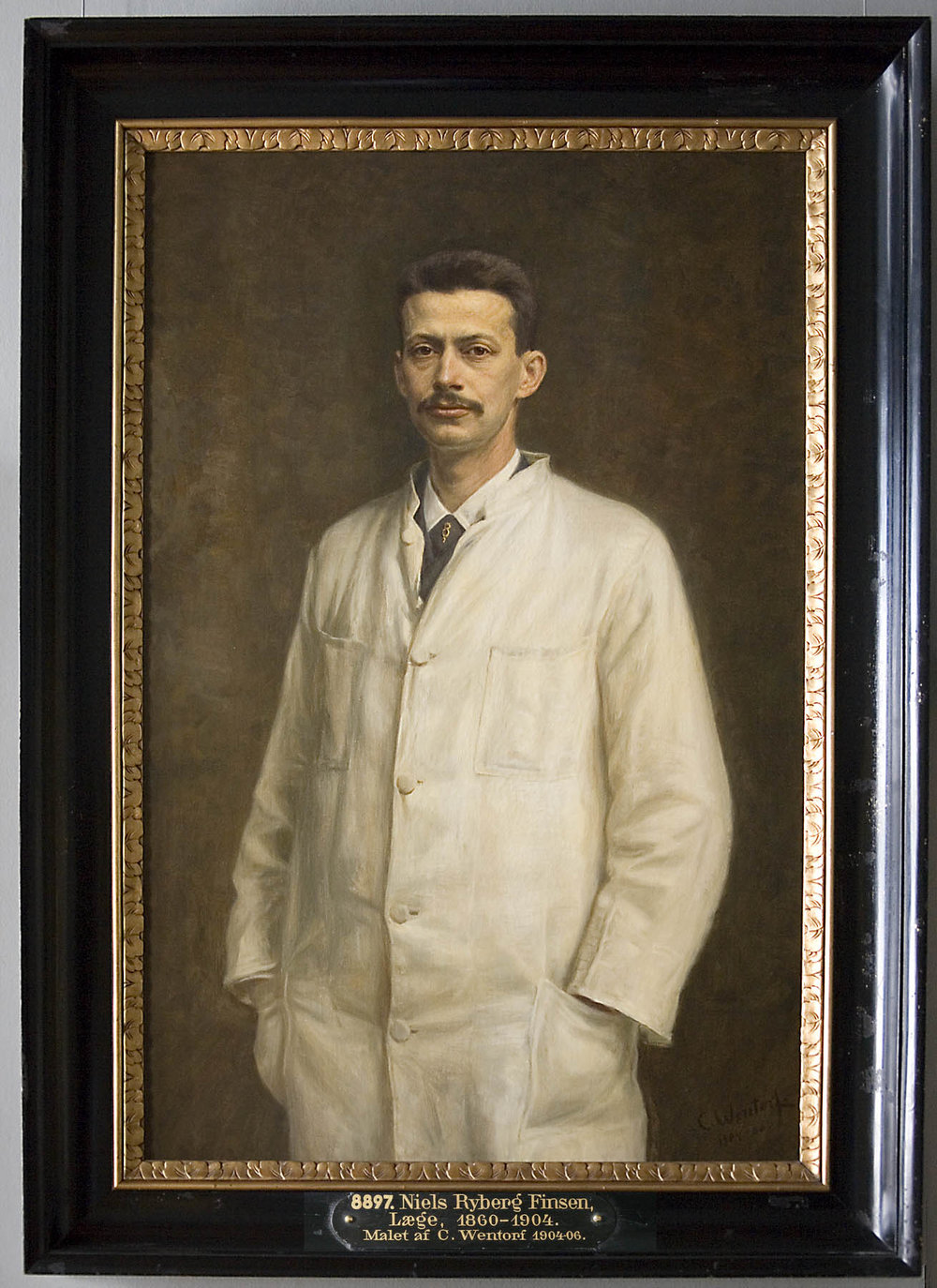 Figure 1  - Niels Finsen was awarded the 1903 Nobel Prize in Medicine. He used blue light or red light for disorders of the skin.