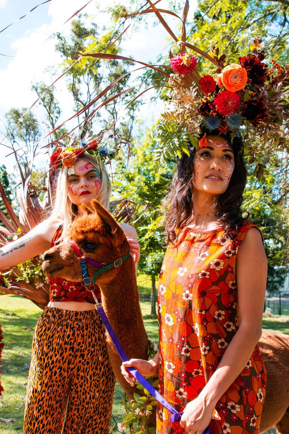 Dreamy Models Maddy (left,  @cuerton)  and Adel (right,  @_adel_lee )