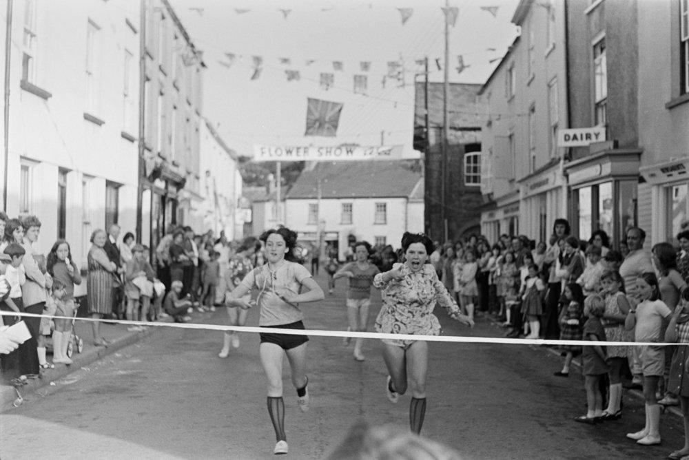 Girls at finish line, Chulmleigh.