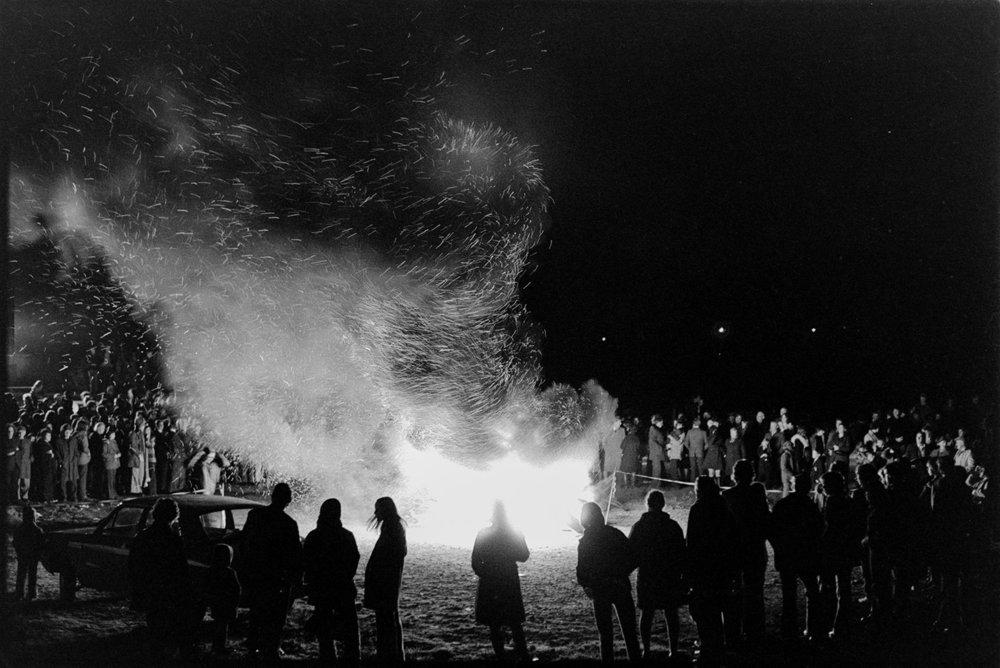 Bonfire of tyres, Hatherleigh, 7 November 1973