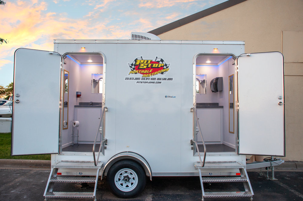 Deluxe portable toilet trailers, luxury portable toilet rentals, portable toilet trailers