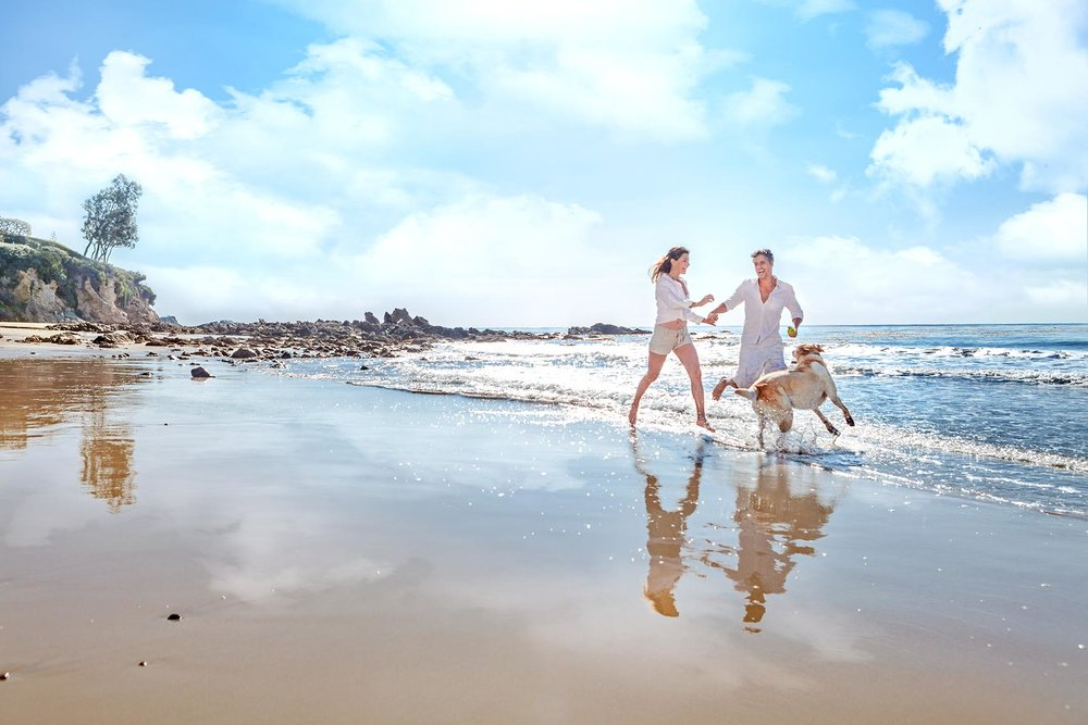 COUPLE.DOG.BEACH.jpg