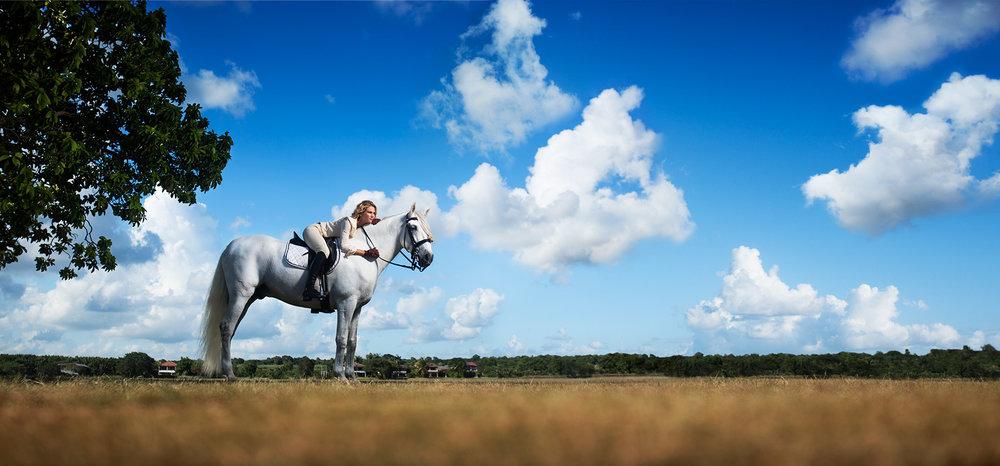 WOMAN.WHITEHORSE.jpg
