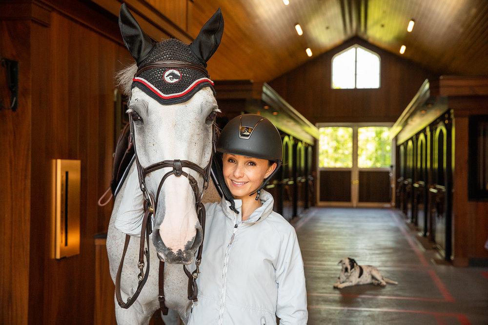 GEORGINABLOOMBERG.HORSE.jpg