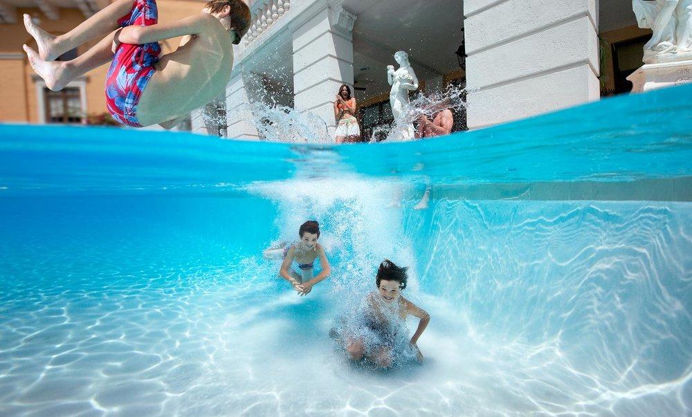 Pool_UnderWater_Biltmore_0271_r1flatweb.jpg