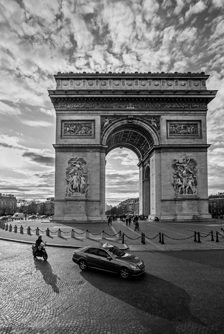 PARIS.BW.jpg