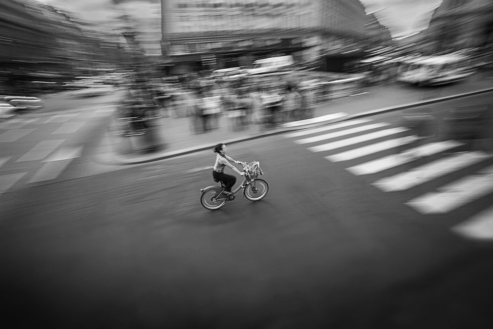 WOMANONBIKE.PARIS.jpg