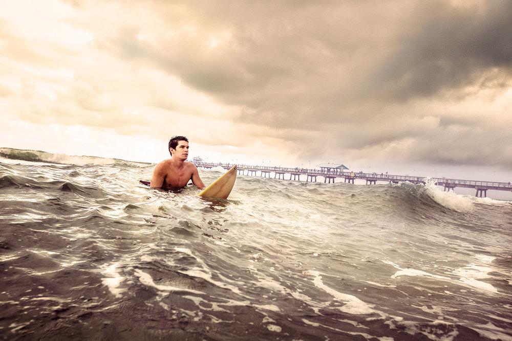 SURFER.PHOTOGRAPHER.jpg