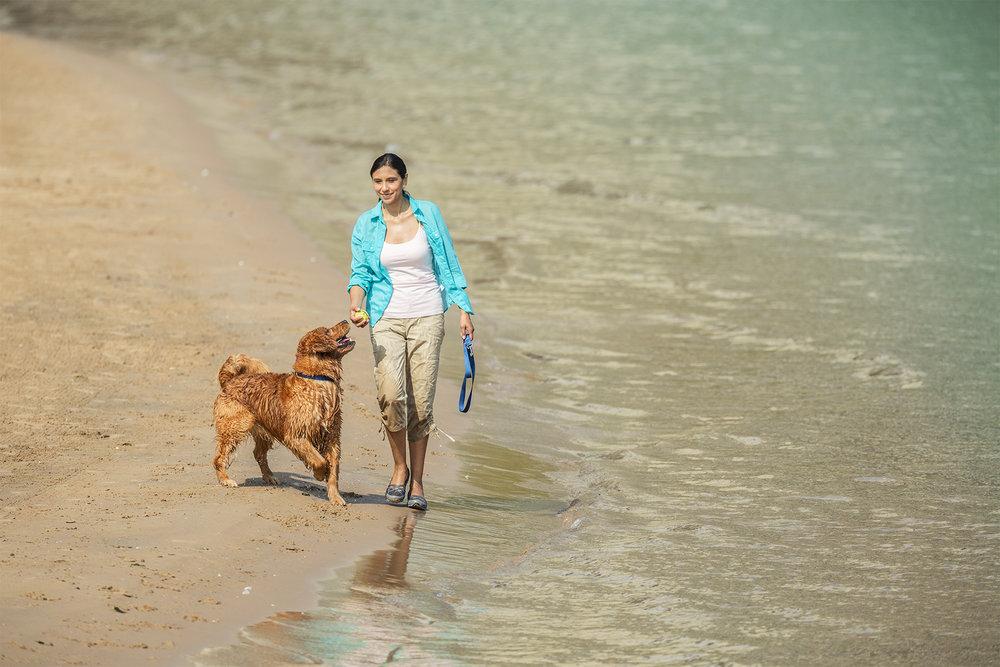 Woman-Dog-BeachWalking-411_r1.jpg