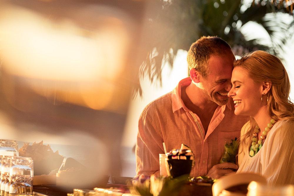 35_TikiBar_Caucasian_Couple_Day4_20281-1.jpg