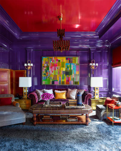 gambrel-manhattan-apartment-art-on-lacquered-wall.jpg