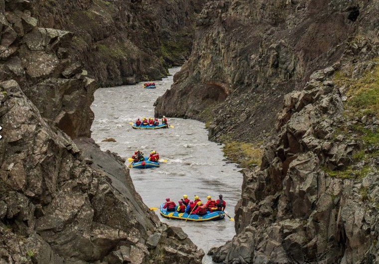RIVER RAFTING   So many cool towns here There are vertical descents of up to 1500m or almost 5000ft and thousands of peaks and slopes for all abilities.There are vertical descents of up to 1500m or almost 5000ft and thousands of peaks and slopes for all abilities.