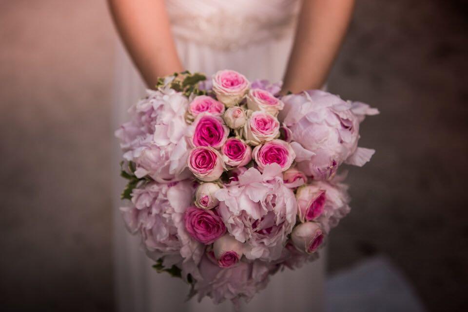 Ramo de Peonias y Rosas de Pitiminí