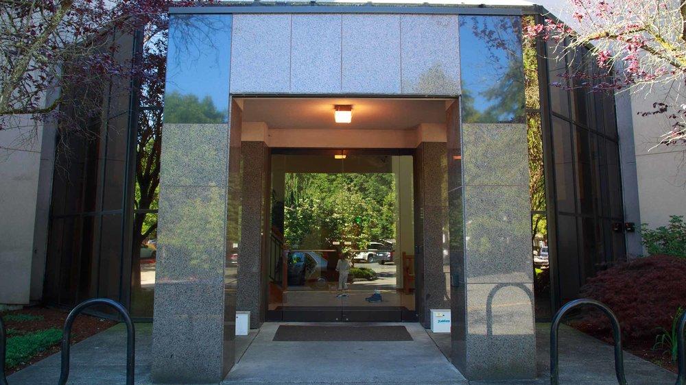 425 Dental Office Tour Web_0001_2-1602-DrOBldg.jpg