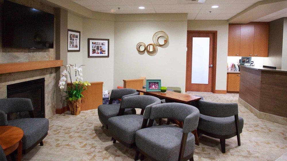 425 Dental Office Tour Web_0004_5-1683-DrOBldg.jpg