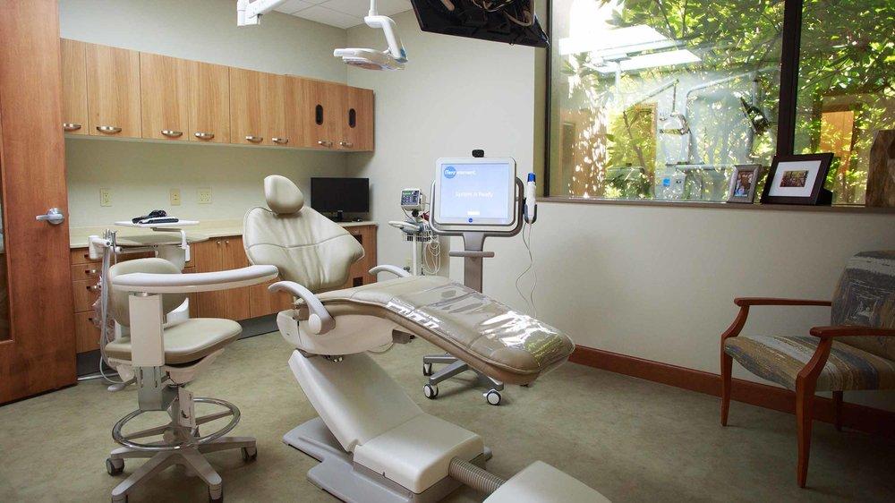 425 Dental Office Tour Web_0017_18-1618-DrOBldg.jpg
