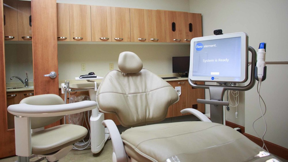 425 Dental Office Tour Web_0018_19-1613-DrOBldg.jpg