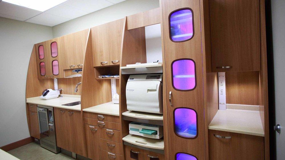 425 Dental Office Tour Web_0021_22-1655-DrOBldg.jpg