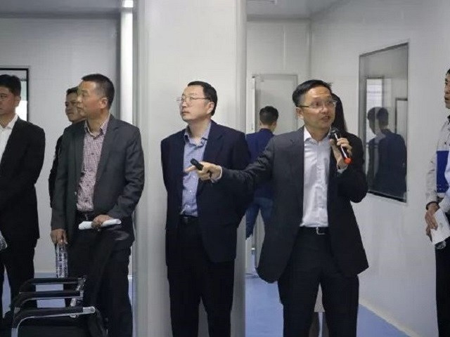 19 April 2018 SHANGHAI | Secretary of the Jiading District Party Committee and district head, Zhang Wei, along with the director of the district committee office, Li Feng, visit the Shanghai (Nanxiang) Precision Medicine Industrial Park.