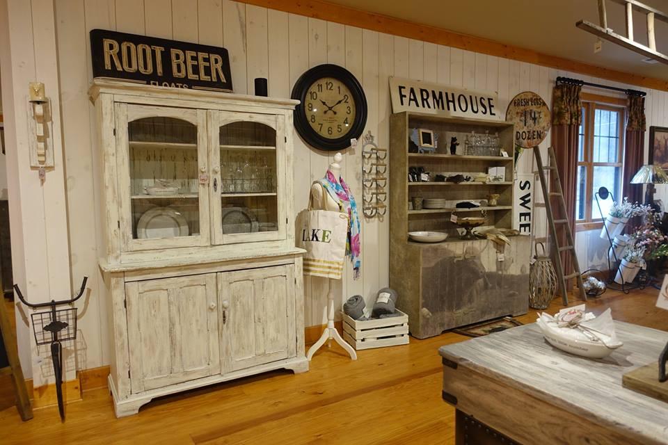 farmhouse decor.jpg