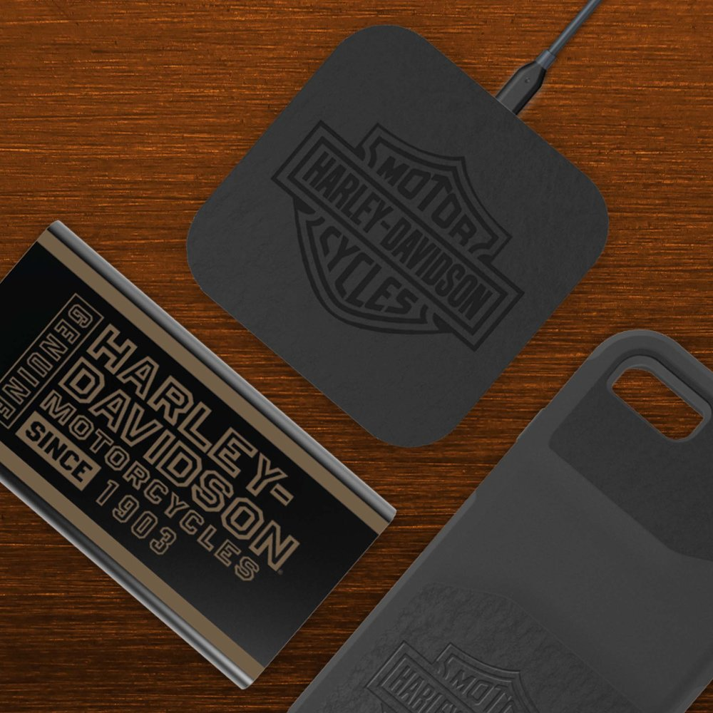 Harley-Davidson® HERITAGE Qi Wireless Charger & VENTURE H-D Side Print & JOURNEY Rugged Phone Case for iPhone 7 / iPhone 8