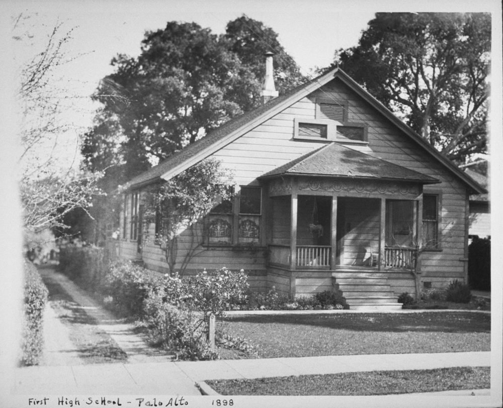 526 Forest Avenue, 1898. Anna Zschokke allowed Palo Alto to use her second residence as its first high school in the 1890s. Photo courtesy of PAHA.