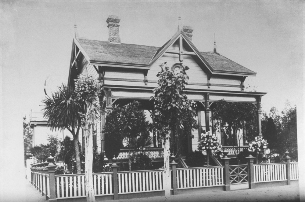Sarah Wallis cottage at First (now Ash) and Grant streets, Mayfield. Today, it is site of Sarah Wallis Park. Courtesy of PAHA.