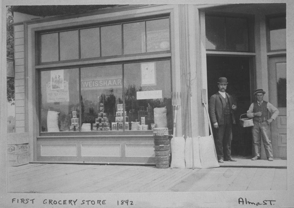 """""""Weisshaar"""" grocery store in Palo Alto, 1892. Courtesy of PAHA."""