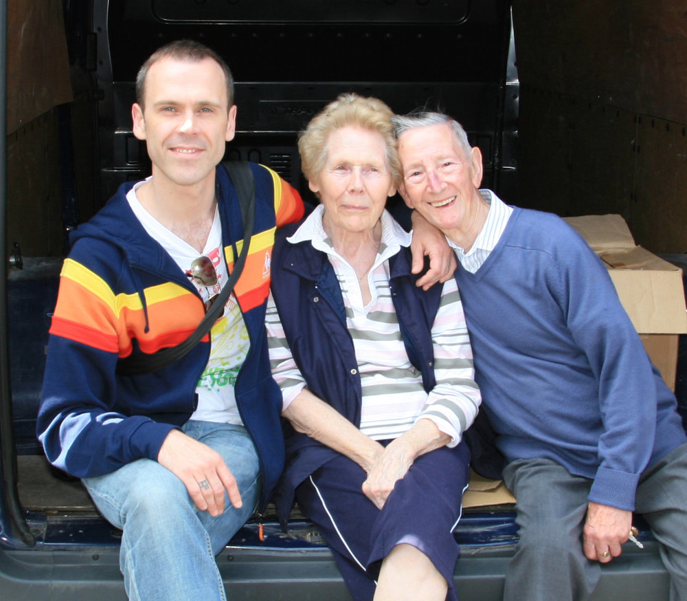 Richard pictured with his beloved parents Florence and Eric in 2010. Photographer - Tony Clancy