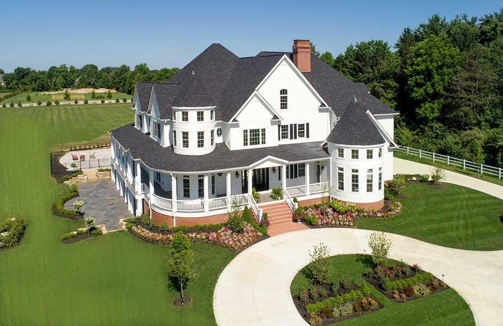 luxery_home_by_luxury_custom_home_builders.jpg