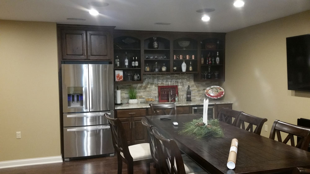 dining_table_in_kitchen_home_builders.jpg
