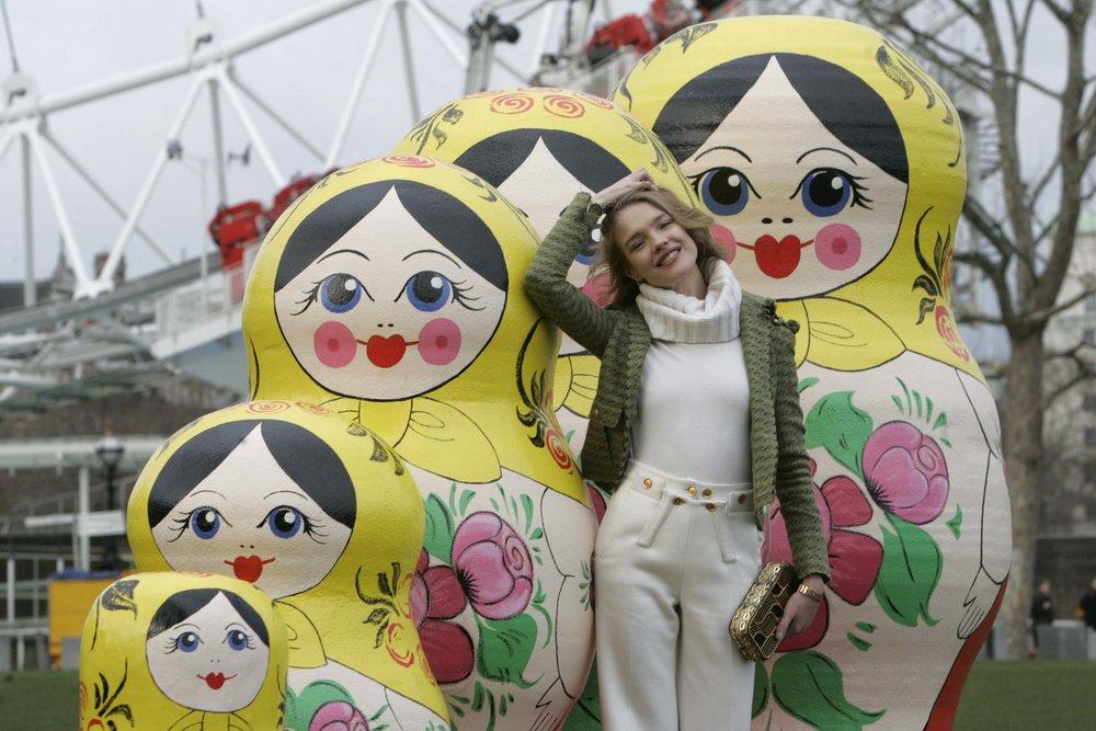 Natalia Vodianova and Russian dolls3.jpg
