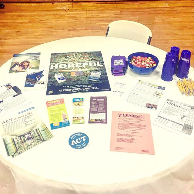 Family Support Counselor Billie Hartgrove's resource table at Herculaneum High School for the Dunklin R-5 School District staff. Does the organization make you as happy as it makes me?? #organized #resources #schoolstaff #spreadawareness #psychoeducation #mentalhealth #mentalhealthawareness
