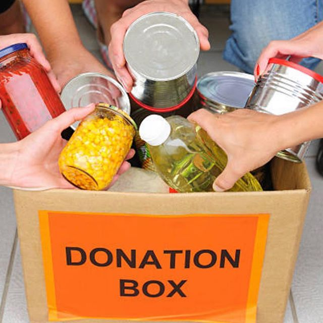 Here's 5 ways you can help food insecure families during Thanksgiving.  1. Donate to your local food bank  2. Participate in a charity run  3.  Deliver a Thanksgiving meal  4. Volunteer in a soup kitchen  5.  Sharethemeal app allows you to donate money on your smartphone.  As Thanksgiving approaches, please contribute to your local food bank and make a difference in someones life. This week Smize Foundation gears up with our donation bins at local businesses and schools. #smizefoundation #foodbank #ortingfoodbank #thanksgivingfood #familiesinneed #nokidhungry #makingadifference #whynotyou #roadtomissteenusa #pageantsnw