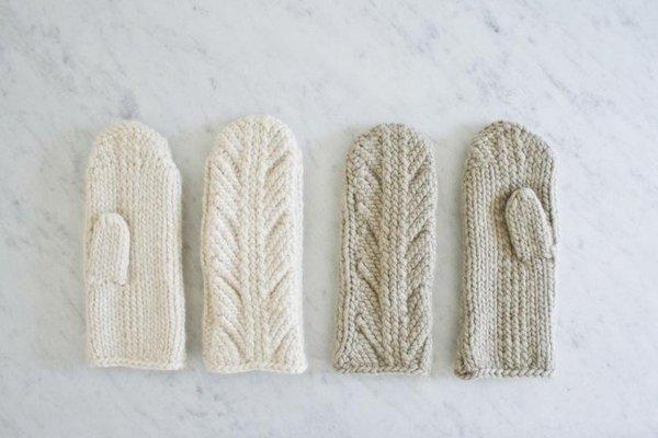 ancient-stitch-mittens-600-2-662x441.jpg