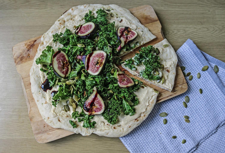hummus and fig vegan pizza