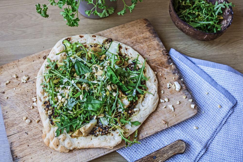 green pesto vegan pizza