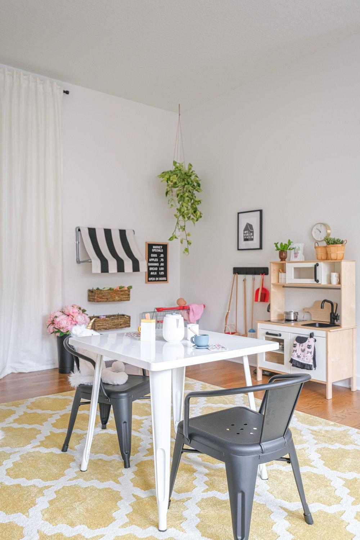 Modern Cheerful Playroom by Harper Rae Design Co (13)