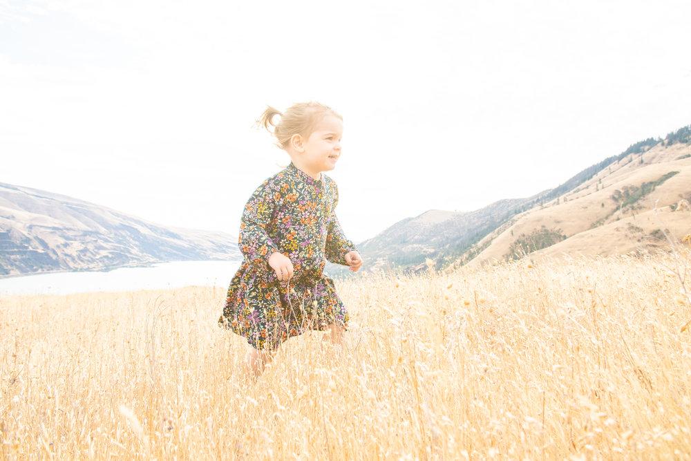 Dreamy Fall Family Photoshoot 6.jpg