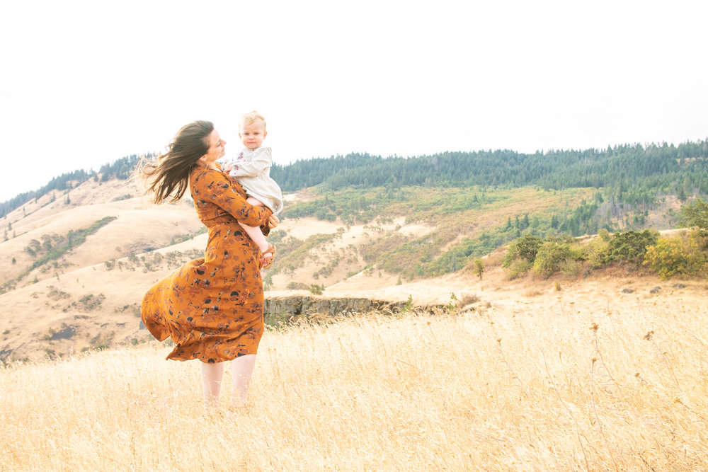 Dreamy Fall Family Photoshoot 12.jpg