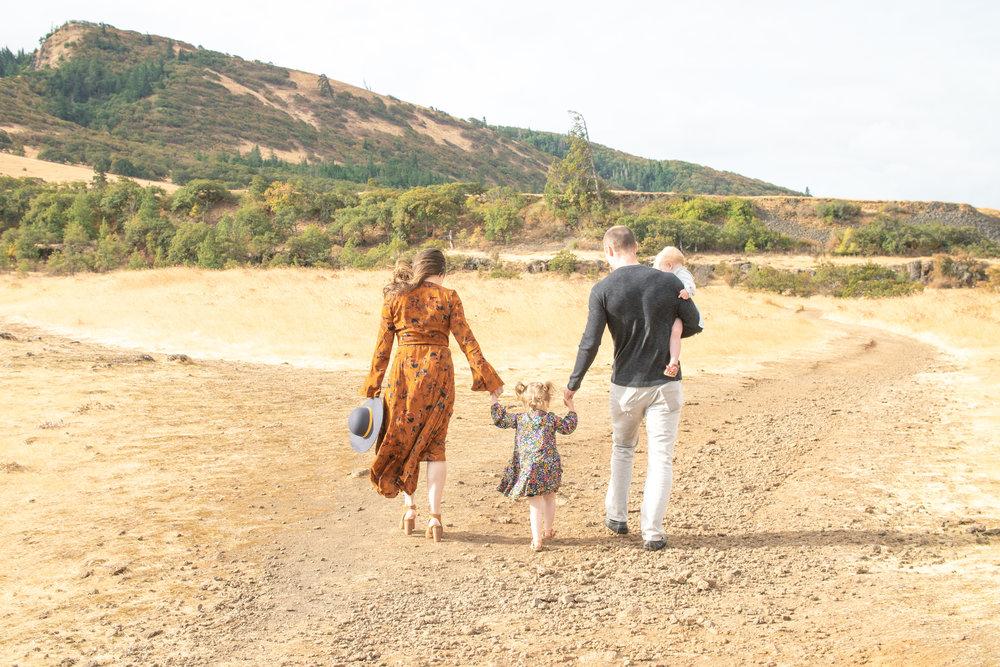 Dreamy Fall Family Photoshoot 15.jpg