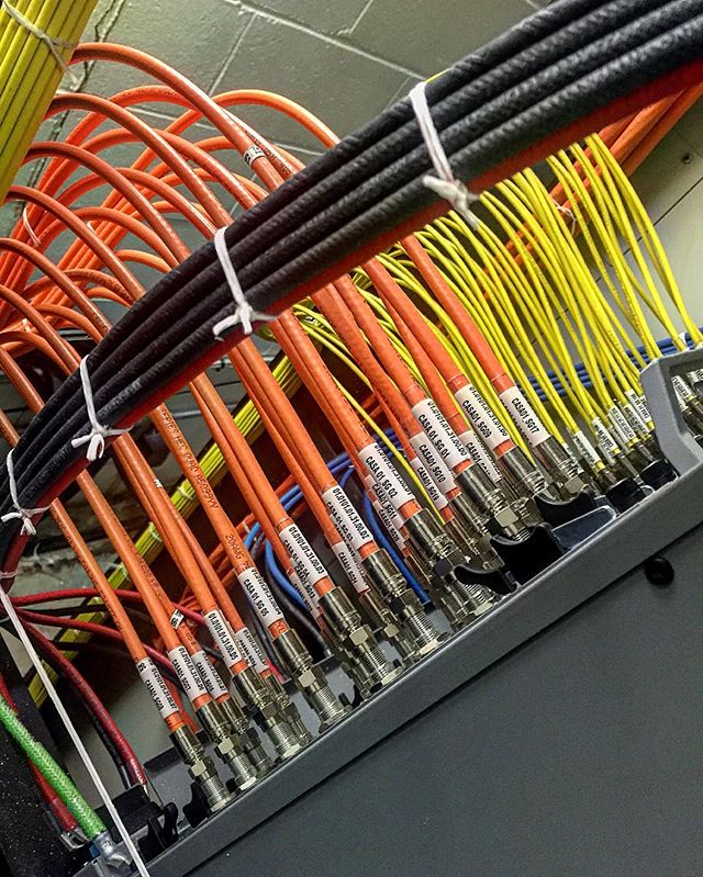 24 service group  CMTS build pt.1#menatwork#cableporn#cableart#rx#tx#datacenter#timewarner#contractor#ittakesskill #hub#cisco#casasystem#fiberoptics#cat5#cat6