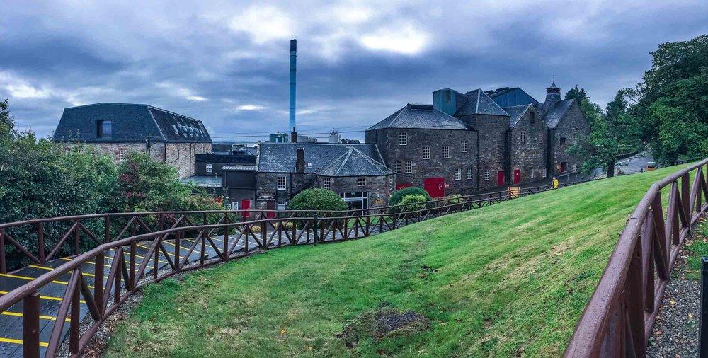 1-glenmorangie-distillery_building.jpg