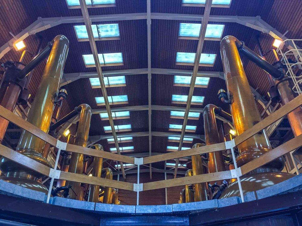 5-glenmorangie-distillery_giraffe-stills.jpg