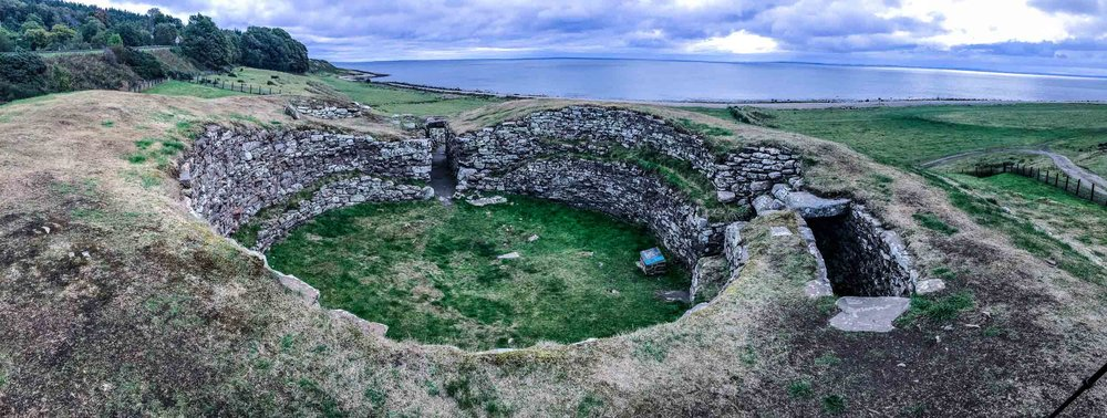 16-carn-liath-broch_overview-of-site-1.jpg
