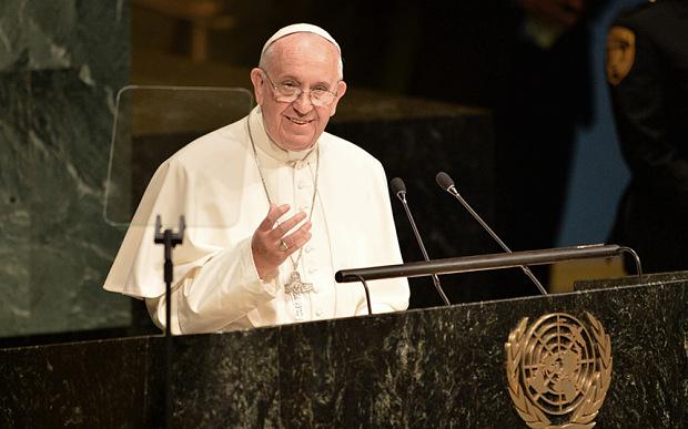 Papež Frančišek nagovarja udeležence Generalne skupščine Združenih narodov v New Yorku leta 2015 (foto: AFK/Getty Images via telegraph.co.uk)